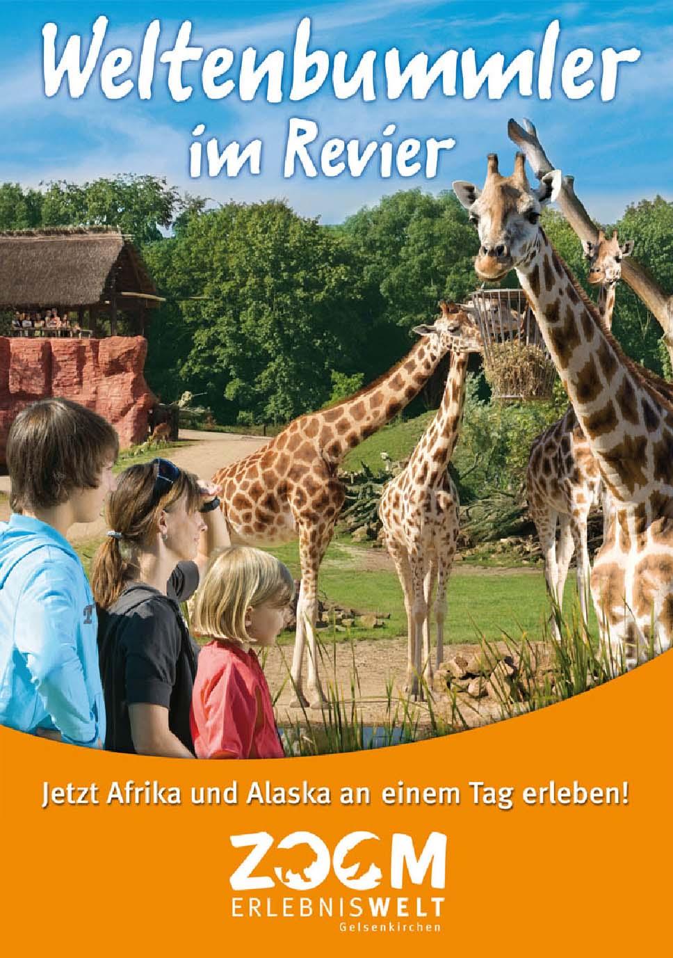 Familie vor dem Giraffen-Gehege