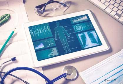 Infografik für medizinische Dokumente auf dem Tablet