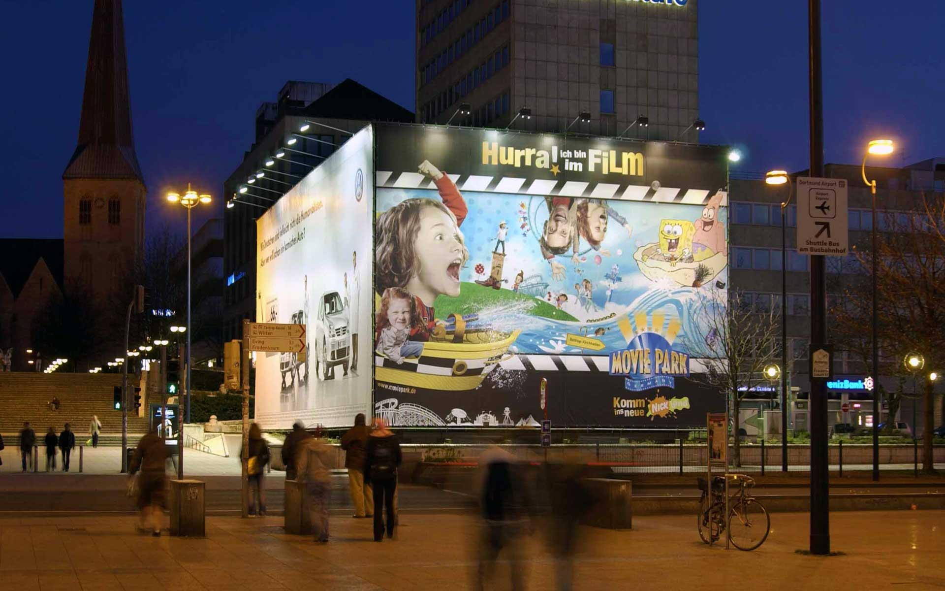 Plakatwerbung am Hauptbahnhof Dortmund